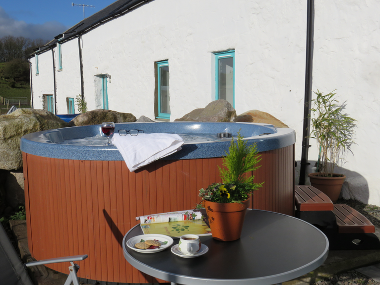 Beautiful Farm Cottages With Hot Tub For 2 3 Or 4 Nights